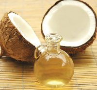 Coconut oil makes an awesome toothpaste. (wikimedia)